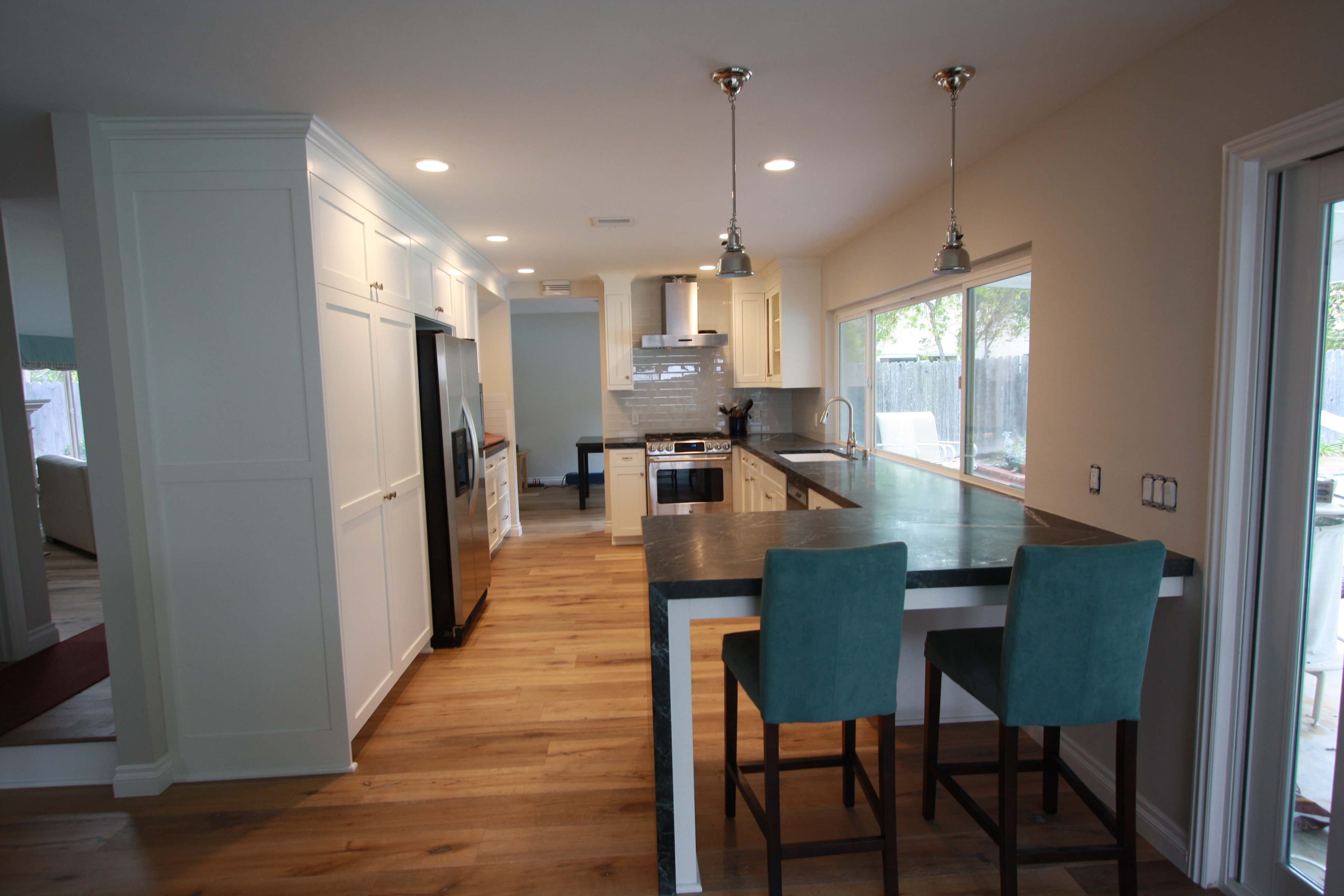 Thousand Oaks White Painted Shaker Kitchen Cabinets Andrews Fine